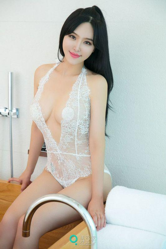 青豆少女刘钰儿透白蕾丝紫罗兰内衣
