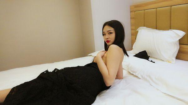 亚洲人妻私密写真
