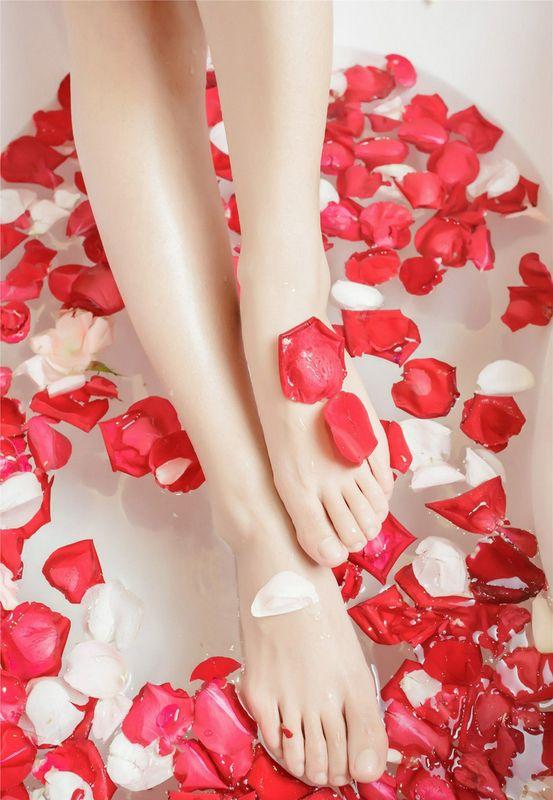 浴室大尺度人体艺术,各个身材都超棒的绝色性感