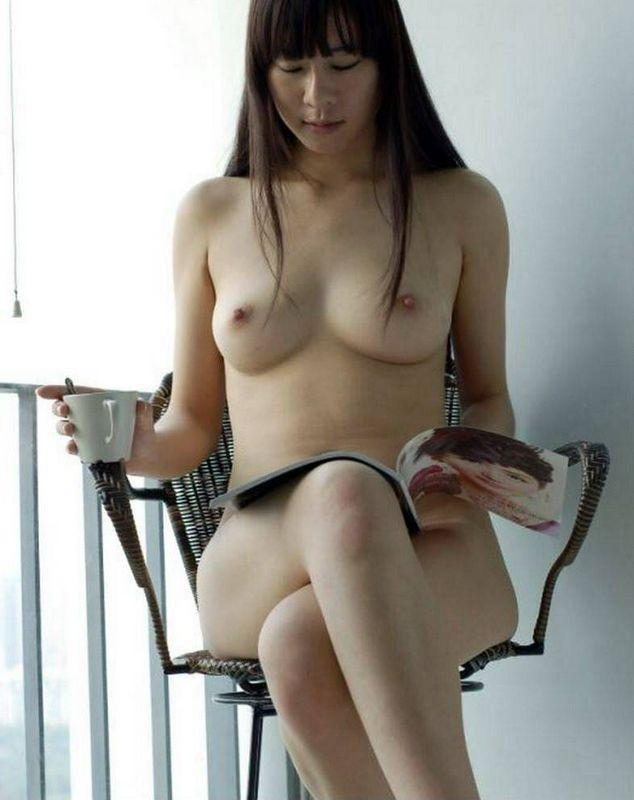 长腿美女裸模