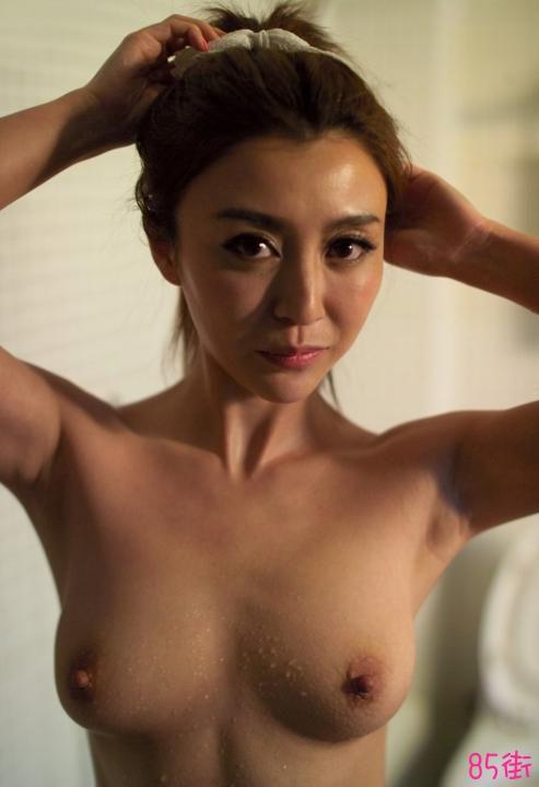 模特林文馨私拍人体套图