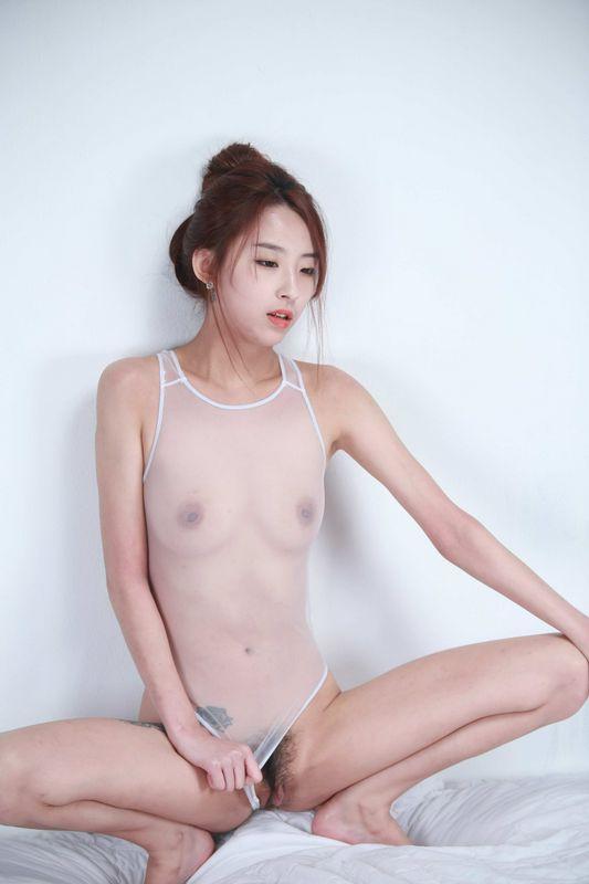 透明装小美女真的很性感
